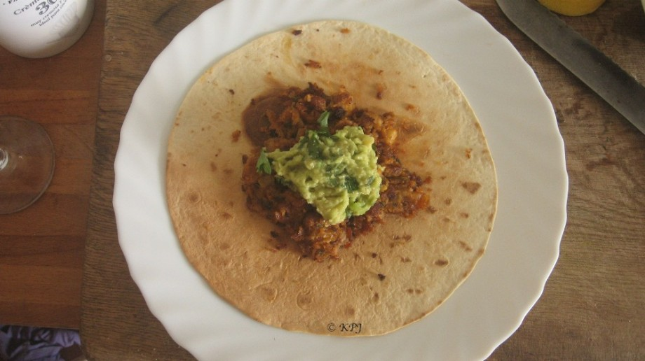 Nice easy and tasty tortillas with beans and guac